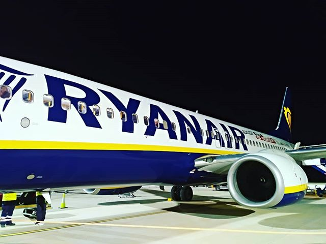 #Ryanair #FR4116,#autohash #Murcia #Spain #RegióndeMurcia #airport #airplane #aircraft #vehicle #business #engine #arrival #travel #traveling #visiting #instatravel #instago #jet #airliner #departure #flight #industry #technology #tech #techie #geek #techy - from Instagram