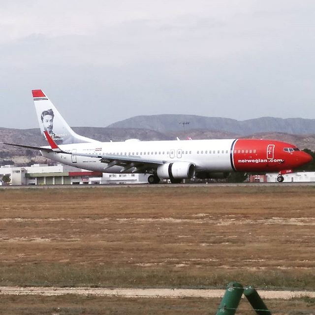 #norweiganairline #autohash #Alicante #Elche #Spain #ComunidadValenciana #aircraft #airplane #airport #vehicle #travel #traveling  #instatravel #instago #industry #sky #jet #landscape #air #flight #aviate #outdoors #engine #action #machine #technology #tech #techie #geek #techy - from Instagram